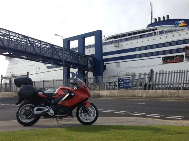 Test-2013-BMW-F800GT-Wales-Ferry-motor-620