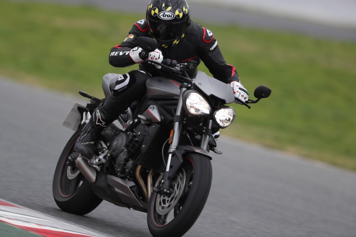 Test 2017 Triumph Street Triple 1