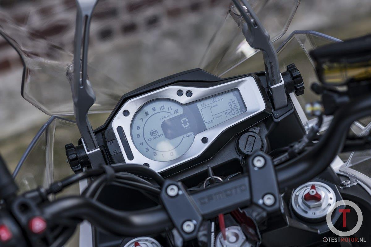 2020 CFMOTO MT650 dashboard